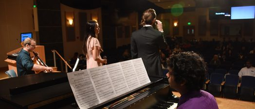 Piano player and singers