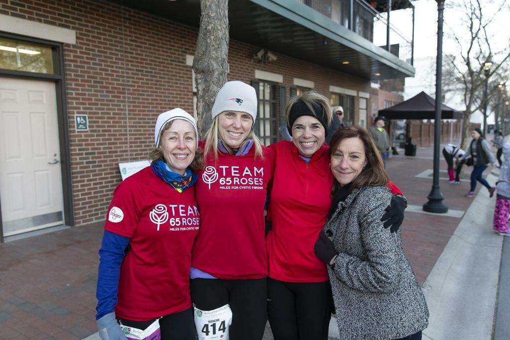 marathon runners pose