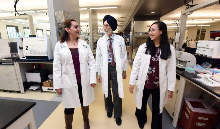 doctors walking together