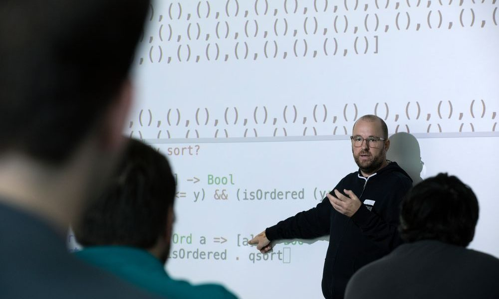 School of Computer and Cyber Sciences faculty wins National Science Foundation award